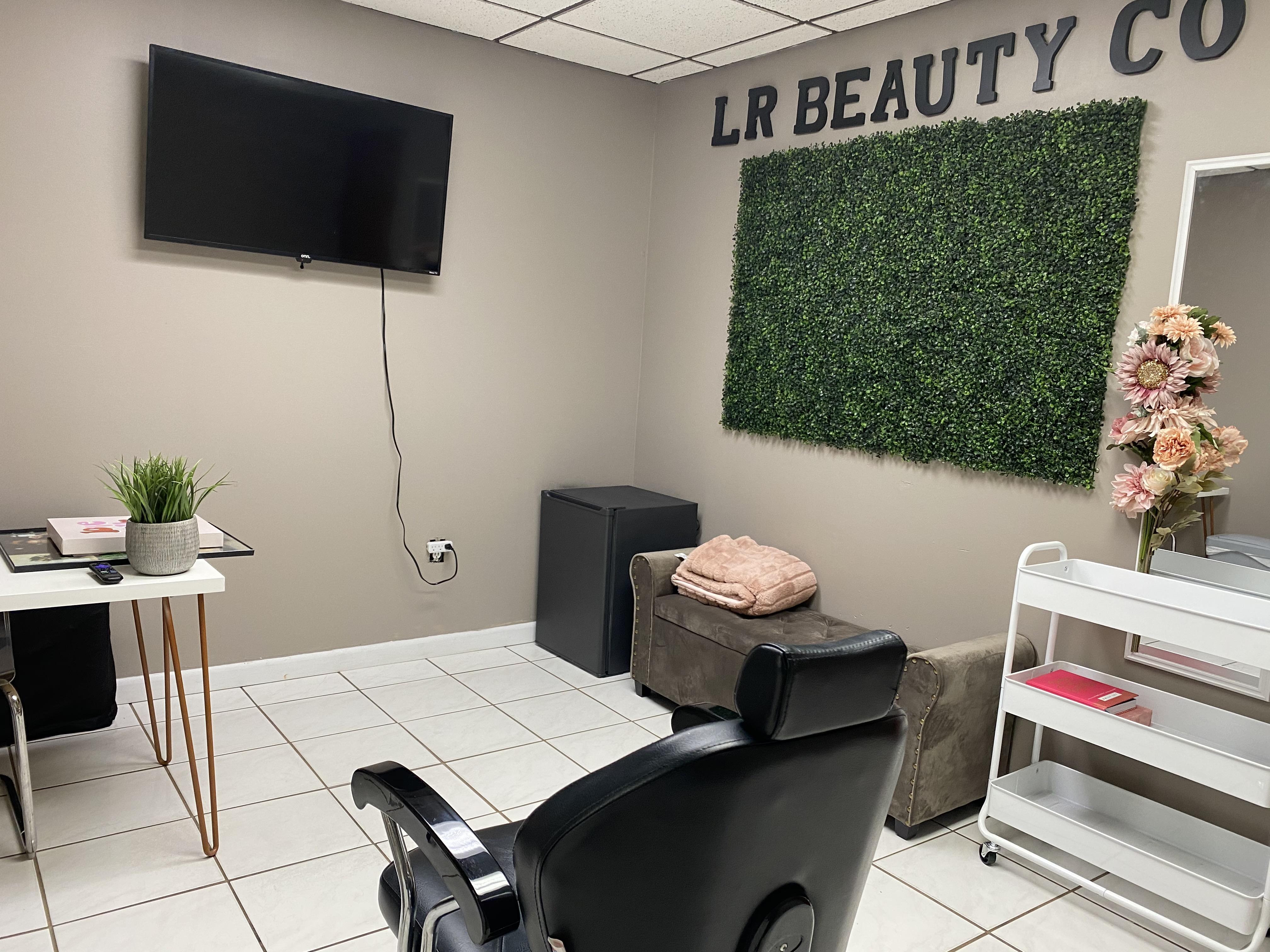 lr-beauty-co.-studio-1-1.jpg